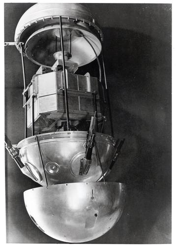 Interior del primer satélite de comunicaciones, el soviético Sputnik-1, lanzado el 4 de octubre de 1956