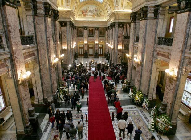 velatorio de Mario Benedetti en el Palacio Legislativo de Uruguay
